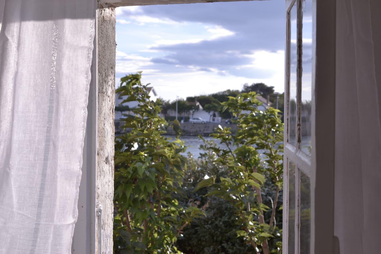 Vue de la salle à manger de l'appartement du premier étage.