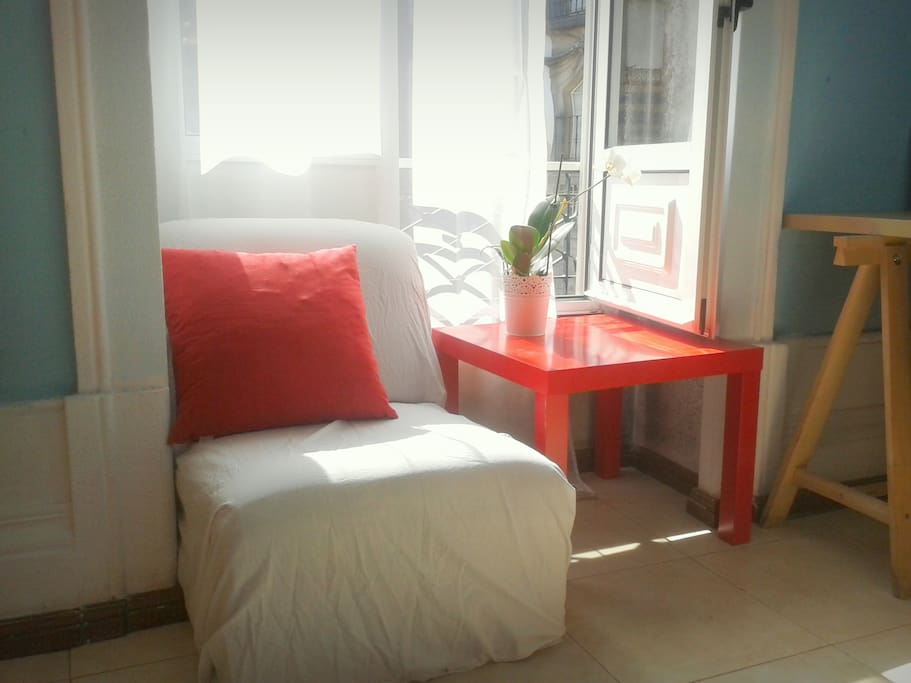 Sunny room in Old Town Porto Centre