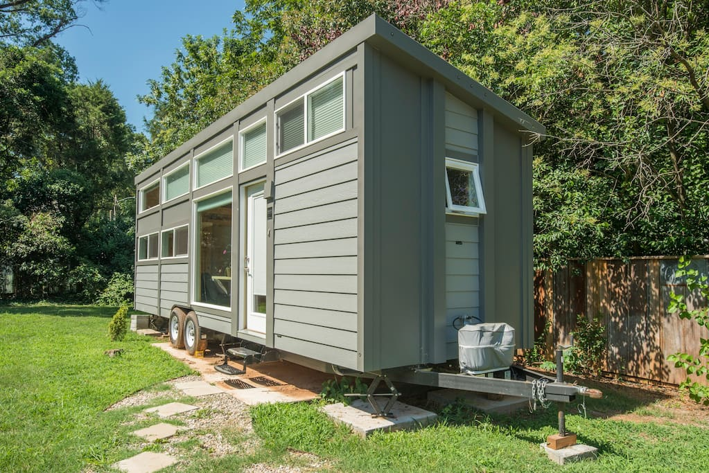 Modern Tiny House Close2everything Houses For Rent In