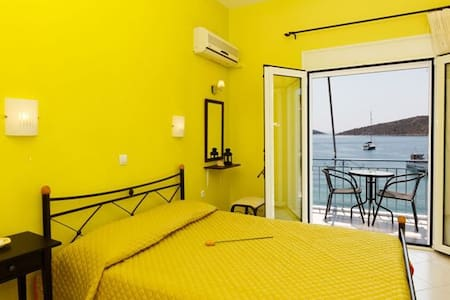 Holiday Room-Apartments in the sea - Vivari - Appartement
