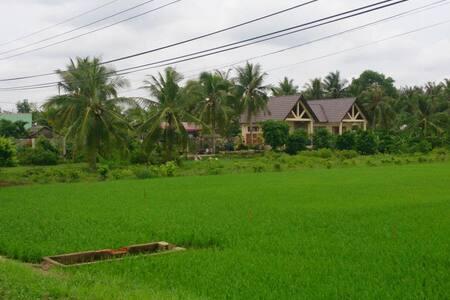 Mekong entire villa- best for garden lovers - Casa de camp