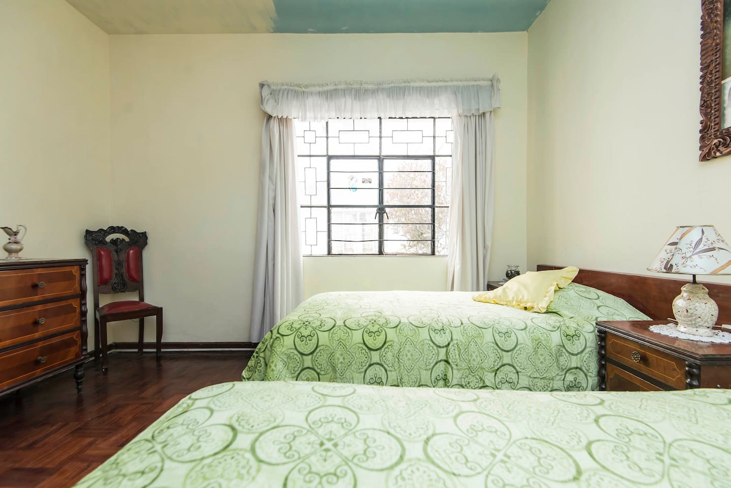Comfortable room with two twin beds.