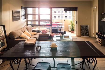 Sandton Modern Sytlish Apartment