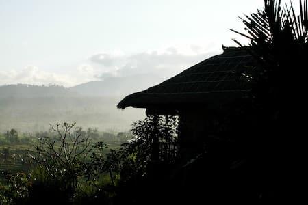 Kubu Carik Bali - Kaja  - Abang - Bed & Breakfast