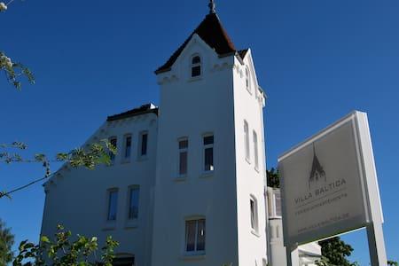 Villa Baltica - Turm-Appartement - Vila