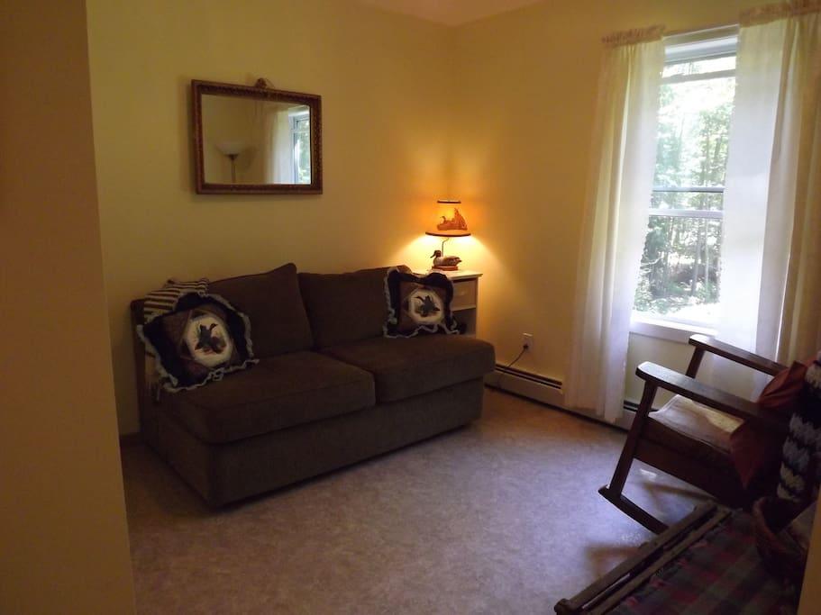 The Mallard Room/ 2nd bedroom
