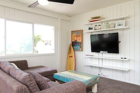 Hawaii Surf Inspired Home - 아파트