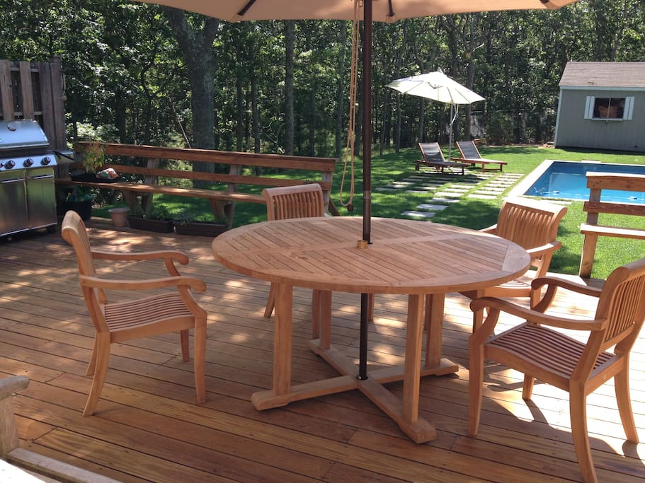 Relax with morning coffee or grill with plenty of seating for large group.