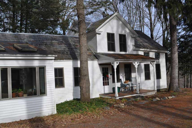 Beautifully Renovated VT Farmhouse