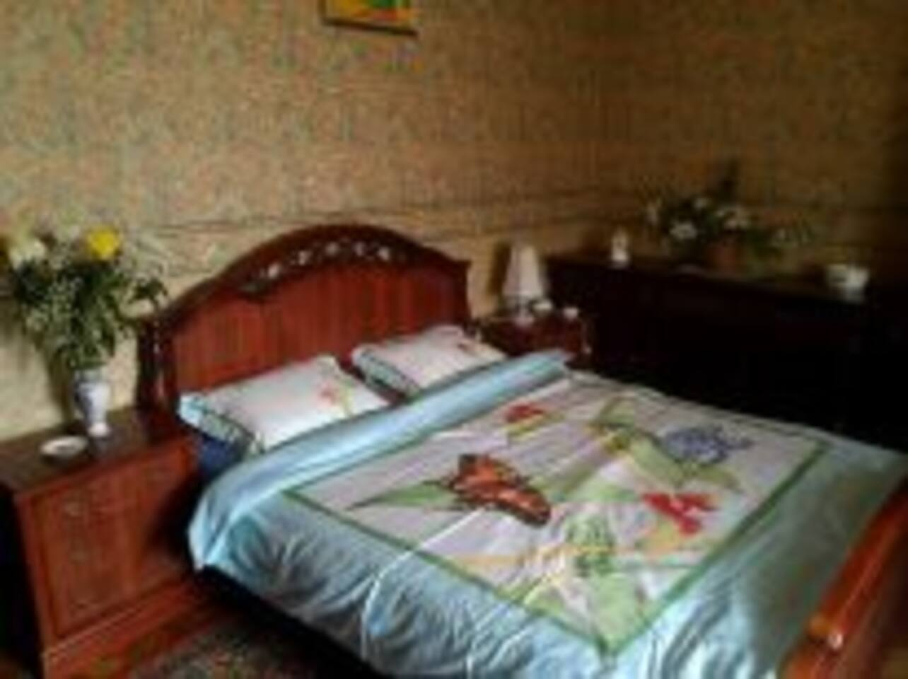 Cheap junior suite in center Moscow