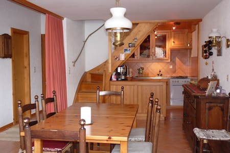Zinal, grand appartement chaleureux en attique - Zinal - Huoneisto