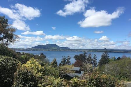 Ewing Escape, Acacia Bay, Taupo - Taupo - Haus