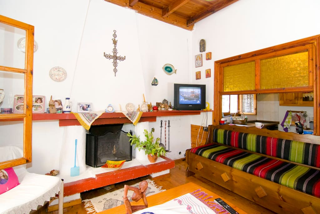 vila for 10 with garden near beach
