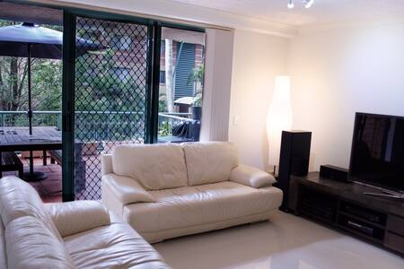 Modern Apartment - Great Location - Apartment