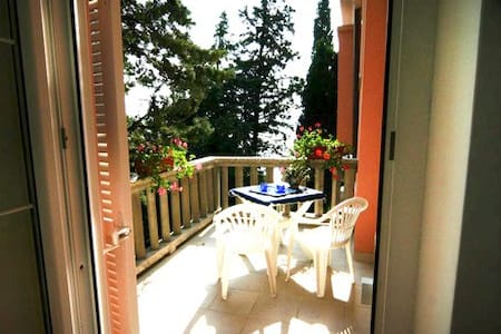 Lovely apt for 4 with 2 terraces - Novi Vinodolski