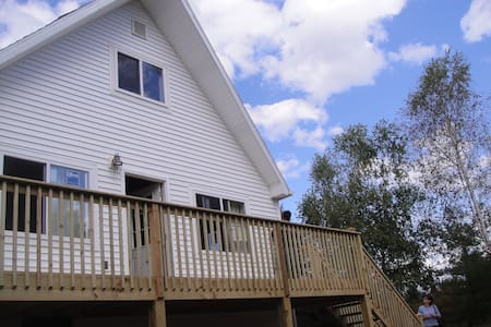 Dog-Friendly Poconos Chalet - Long Pond - House
