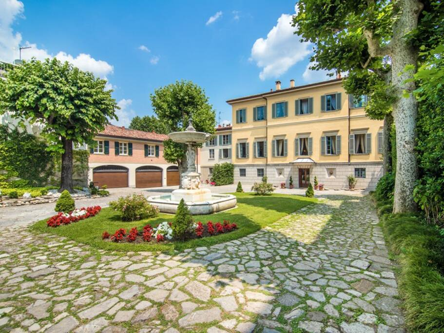 Lakefront attic apt in luxury villa villas for rent in como for Luxury italian real estate