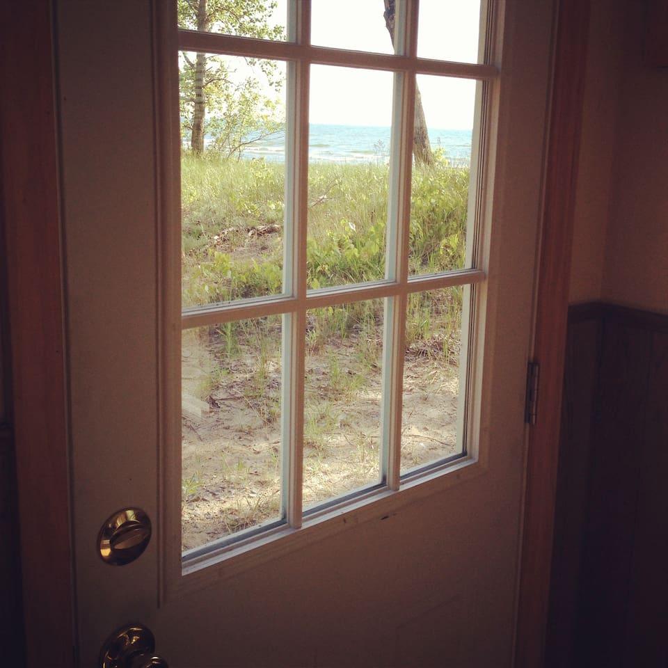 Lake Ontario Beach Front Cottage!