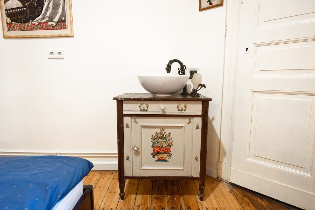 stylish antique washing bassein in your room - with modern appliances.