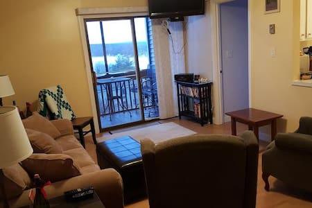 3 bedroom Winnepesaukee Lake View Condo - Laconia - Lyxvåning