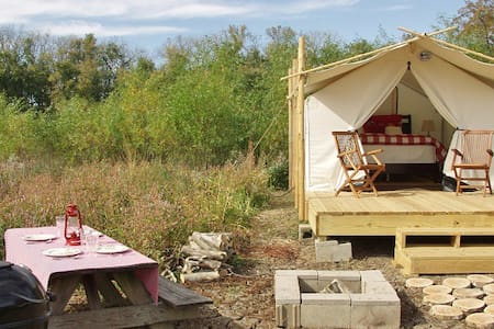 Glamping St. Louis - Paddler's Rest - Tent