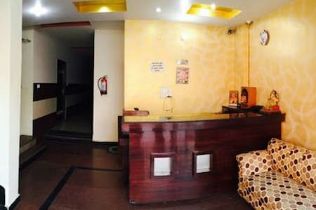 Cozy beds with attached bath and AC - Haridwar - Appartement