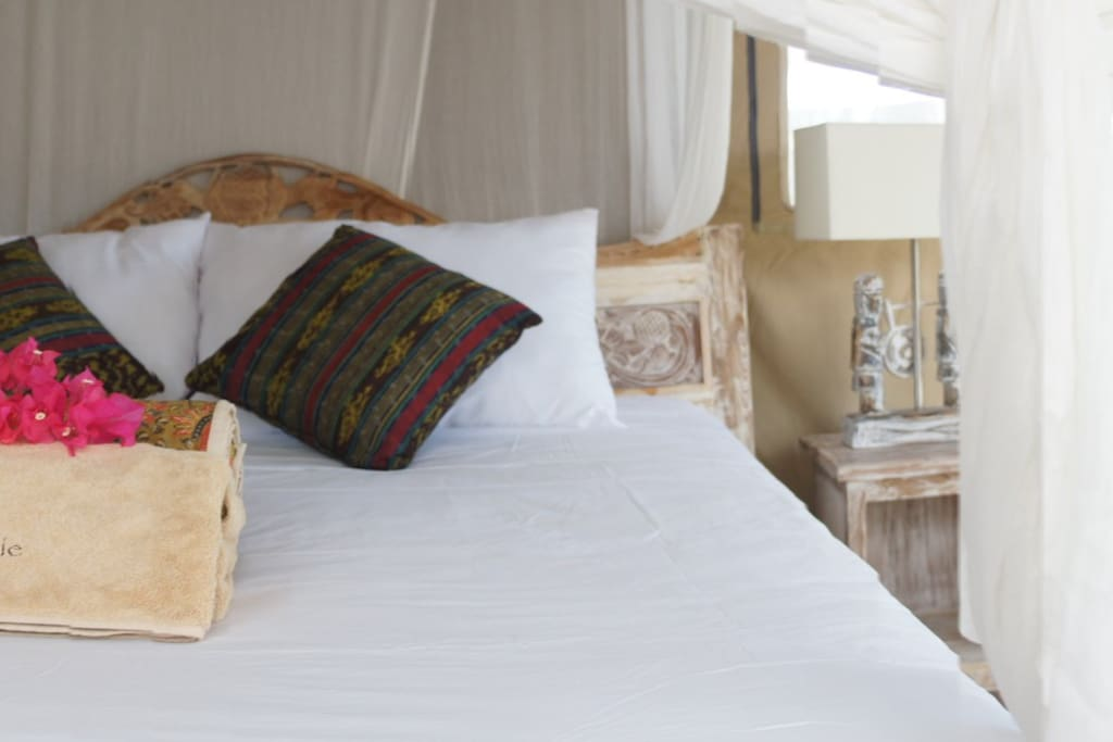 tented rooms with air-conditionning