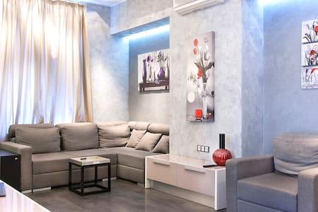 New luxury Jacuzzi studio Passage  - Apartment