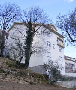 Quartos - Casa na Serra da Estrela - Manteigas - Hus