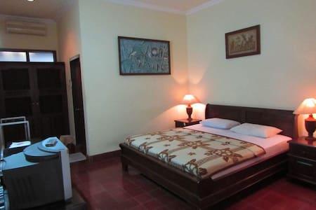 Cheapest & cleanest Hotel at Sanur - Denpasar  - Lägenhet