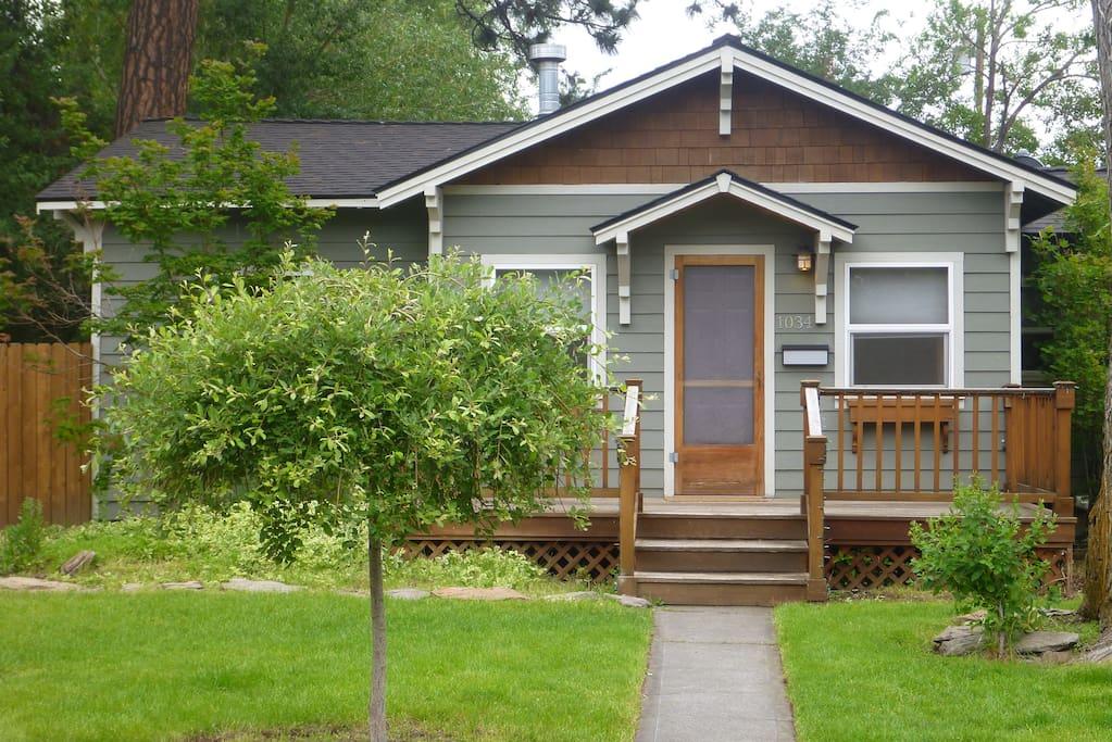 Front entrance of our adorable westside Bend cottage