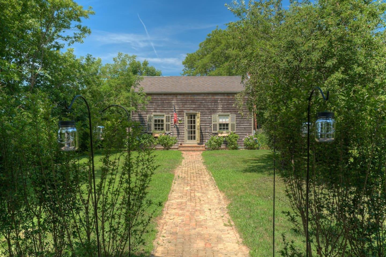 1880's Antique House-East Hampton!