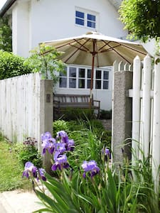 2-Bedroom Cottage in Nature Reserve - Emmerting
