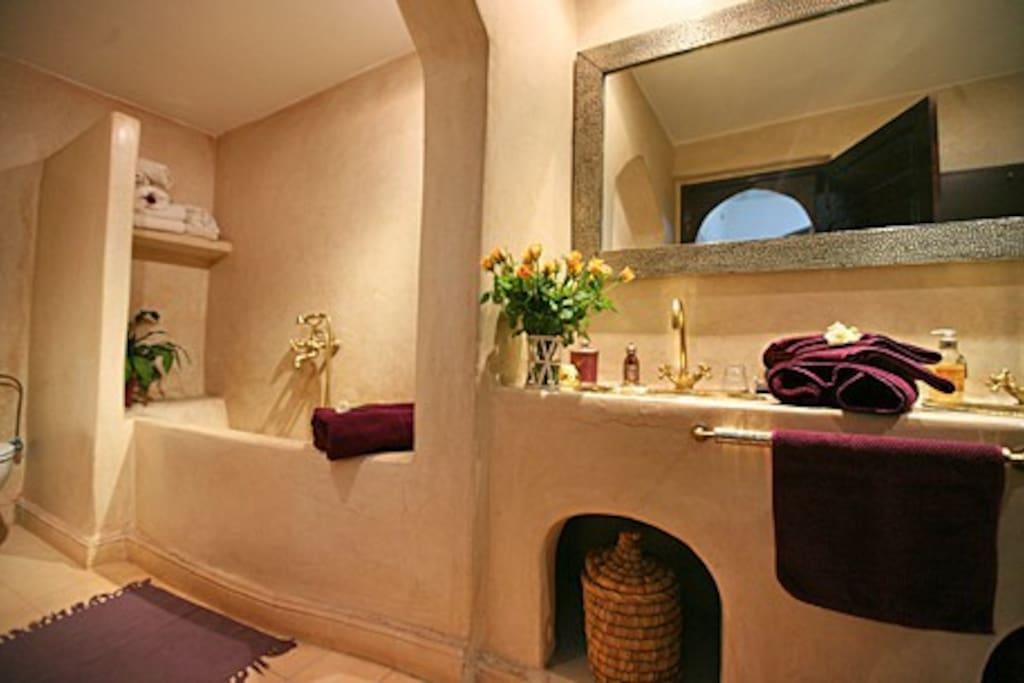 Riad Eloise Marrakech Salle de bain de la suite