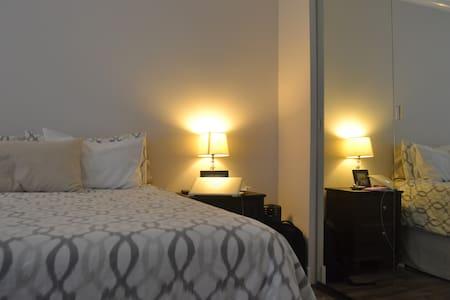 KTown Gem, Close to DTLA, Silver Lake, Echo Park - Los Angeles - Apartment