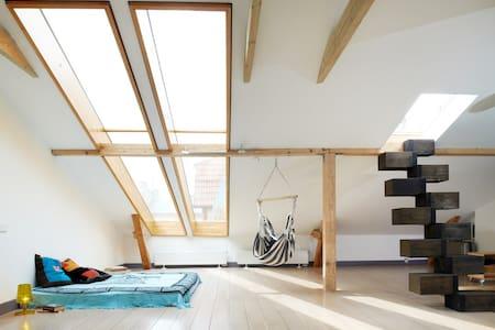 Loft in Art-Nouveau district, 2 BRs - Riga - Lägenhet