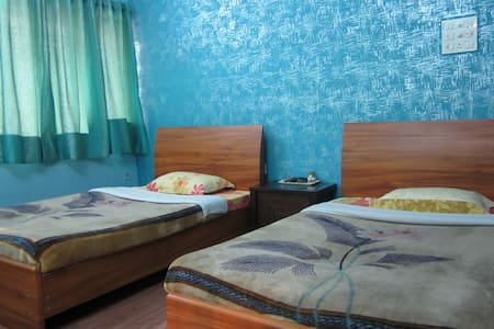 Corporate and Leisure Guest House - Kolkata - Flat