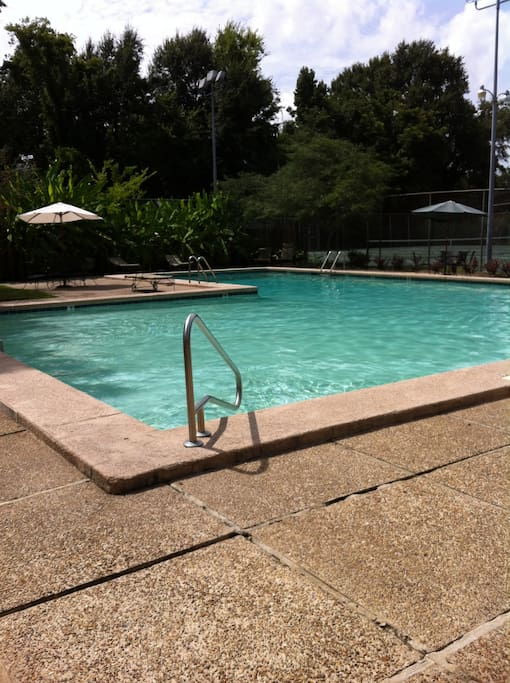 Lovely Townhome Near Lsu With Pool Houses For Rent In Baton Rouge