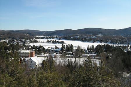Loft La Bohème au cœur des Laurentides, Québec - Sainte-Agathe-des-Monts