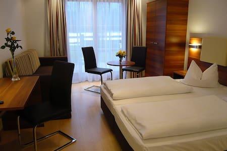 Weitläufiges Doppelzimmer - Anif bei Salzburg