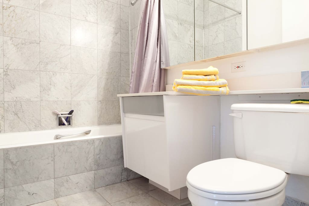 Bathroom, incl. hair dryer, shampoo, soap, body lotion