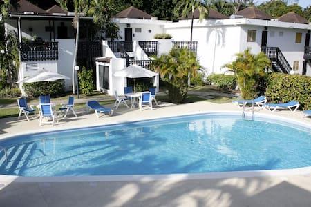 One bedroom South Coast apt w/pools - Bridgetown
