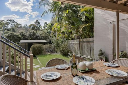 Spectacular House With Garden Deck and BBQ NAREM - Naremburn - Maison