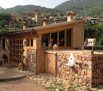 Bucólico huerto con casita - Haus