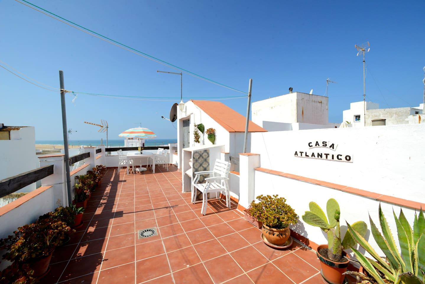 Azotea grande privada con vistas al mar/ Big private roof terrace with sea views