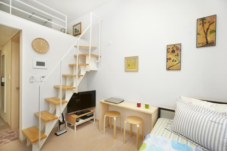 Duplex flat near Hongdae /Itewon #1
