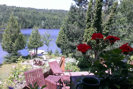 Room type: Entire home/apt Property type: Chalet Accommodates: 6 Bedrooms: 2 Bathrooms: 2
