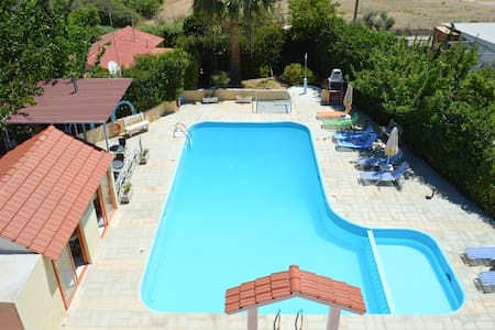 Villa Sofia is located 350 metres f - Rhodes