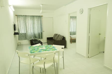 Malacca City 2 Rooms Flat - Malacca - Apartment
