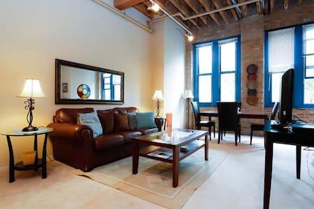 Beautifully furnished studio F409